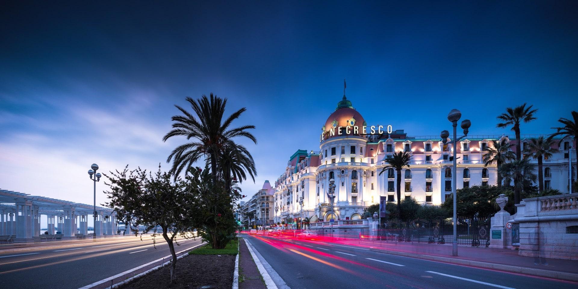 Visite Nocturne à pied de Nice soir